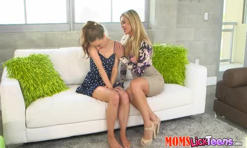Lesbian milfs toy each other's twats and assholes with a dildo and moan loudly № 247506 бесплатно