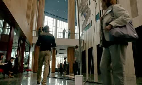 Protiúder S05E09. Strike Back CZ.avi