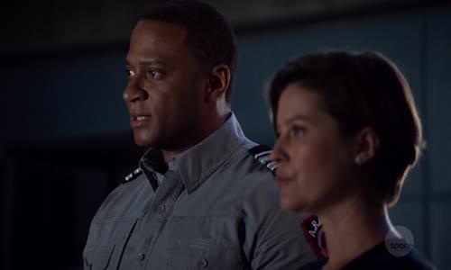 Arrow S07E14 CZtit V OBRAZE 720p.mkv