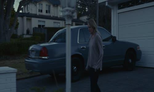 Neviditelny-The-Invisible-Man-(horor)-(2020)--cz-titulky.avi