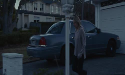 Neviditelny - The Invisible Man (2020)(CZ dab).mkv